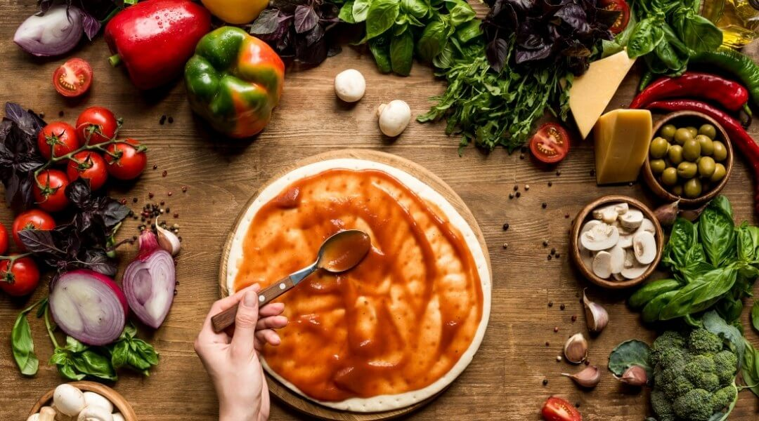 How to make a pizza sauce?