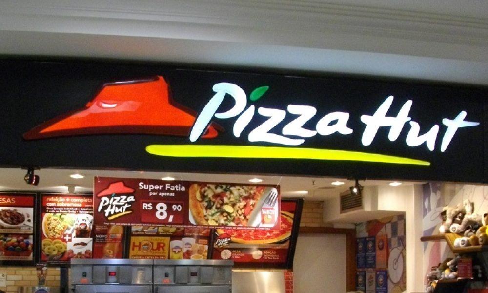 Pizza Hut Store: Credit To - Yusuke Kawasaki from Tokyo, Japan